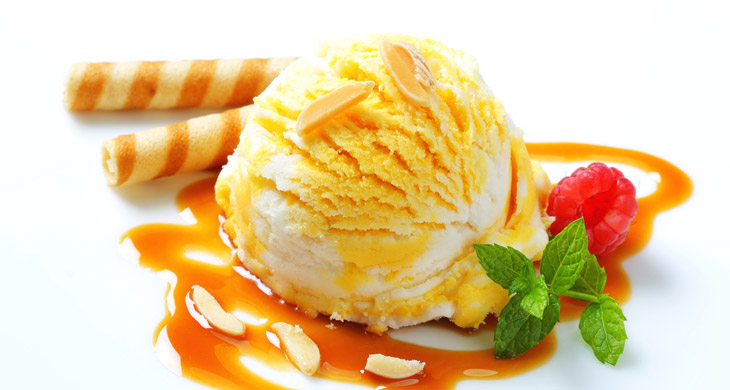 Caramel Ice Cream with Almonds