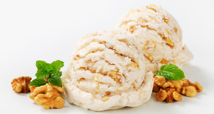 Vanilla Ice Cream with Walnuts