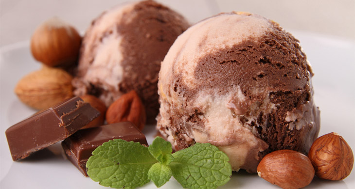 Almond Praline Ice Cream